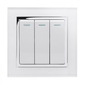 Retrotouch-Crystal-3-Gang-White-CT-Front